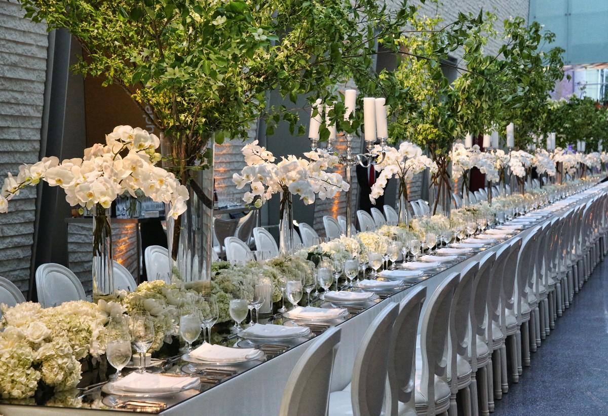 Long Dinner Tables Event Designer Evantine Design Modern Tablescapes White Wedding Flowers Maria Labbancz